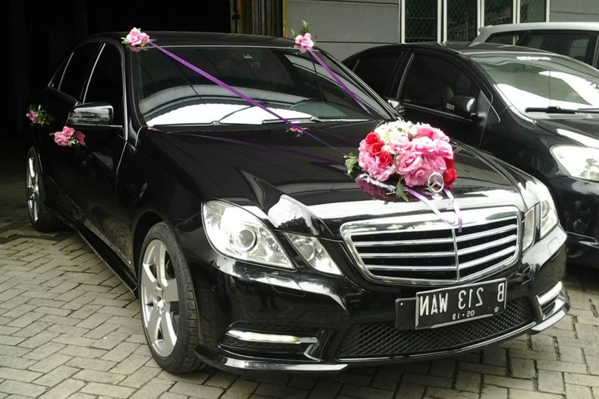 Sewa mercedes benz E class, rental mobil mercedes bency e class, rental mercry, E class, sewa mobil pengantin, rental mobil mewah, sewa wedding car,