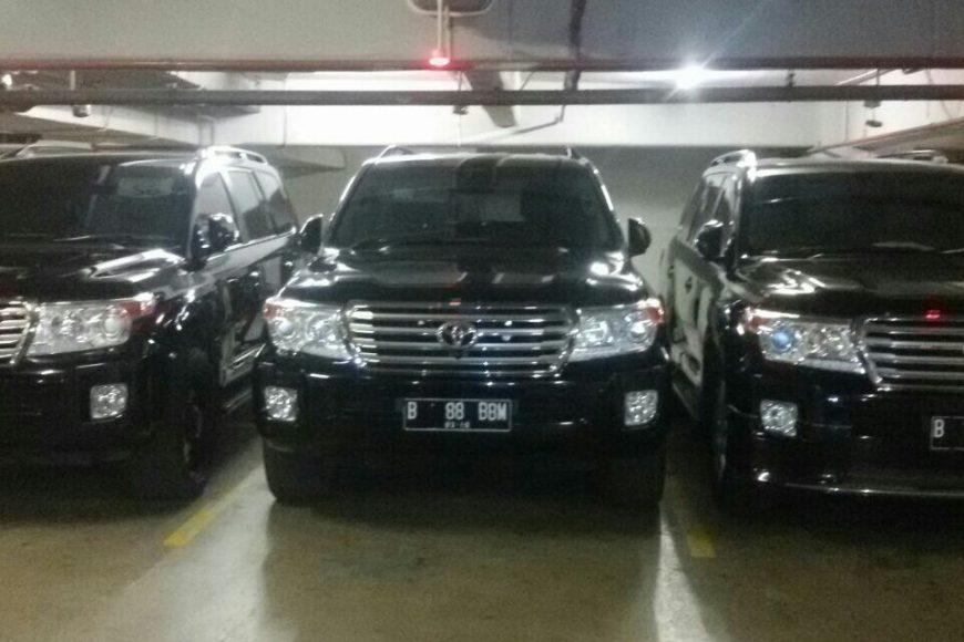 sewa land cruiser, rental mobil land cruiser, rental land cruiser, Sewa Mobil Mewah, Rental Mobil Pengantin, Sewa Wedding Car Jakarta